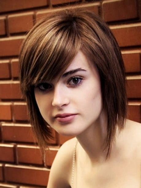 defined layered hairstyles medium layered hairstyles for round faces