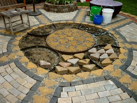 Diy Pebble Patio by Diy Paver And Pebble Mosaic Patio The Owner Builder Network