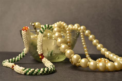 picture expensive jewelry pearl crystal necklace