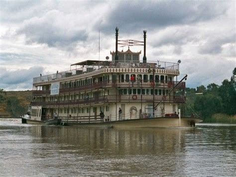 living on a boat in victoria australia murray river princess paddle steamer mannum south