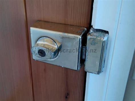 door lock jammed front door lock mechanism is jammed 44934 builderscrack
