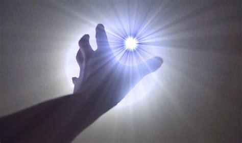 Roh Inspirasi Anda merasakan energi cara mendeteksi roh bramardianto