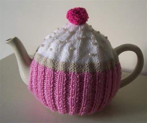 cupcake tea cosy knitting pattern free cupcake tea cosy knitting pattern by buzybee knitting