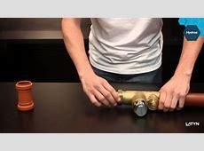 ¿Cómo instalar una válvula de descarga para inodoro? - YouTube J 15