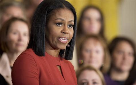 random de imagenes en c michelle obama anuncia la publicaci 243 n de sus memorias