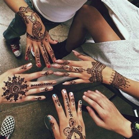 amazing black ink henna tattoo on left hand tatuajes en las manos de mandalas ojala me hiciesen uno de