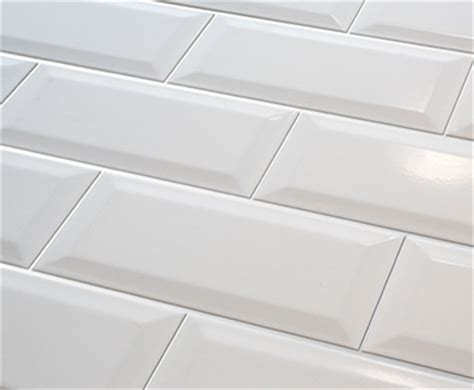 Tuile Metro Blanche by Subway Feng Shui Beveled 4x8 C 233 Ramique Ceramik Ca
