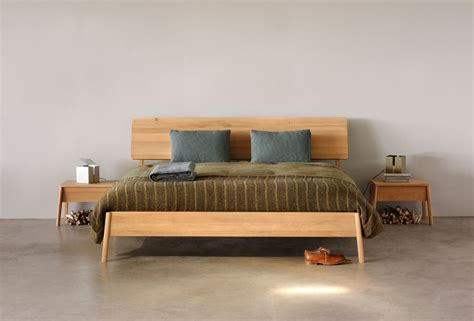 bett eiche oak air bed by ethnicraft