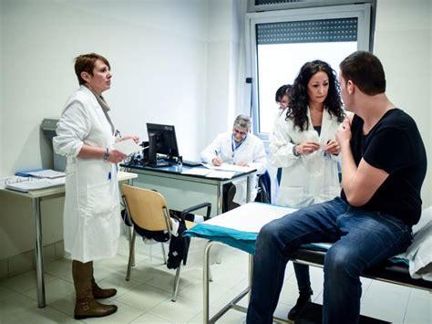 casi di meningite casi di meningite 171 nessun allarme 187 ogni anno in italia