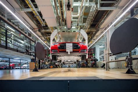 Tesla New Manufacturing Plant Tesla To Sell 1 4b In Shares To Finance Model 3