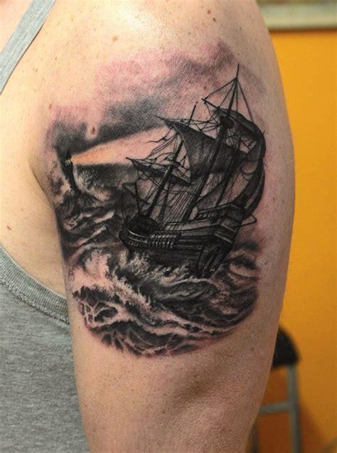 veliero nel mare in tempesta mara tattoo studio