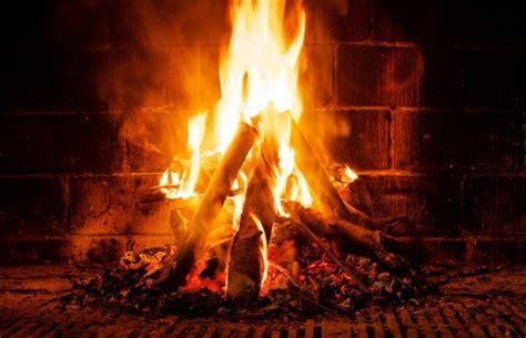 Feu Cheminee by Feu De Chemin 233 E Que Faire Si Un Incendie Se D 233 Clare