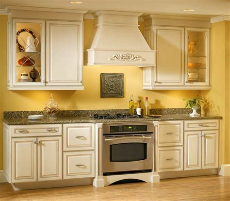 how to set kitchen cabinets image of kitchen paint colors with oak cabinets and white
