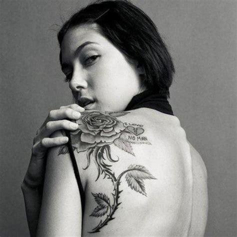 back shoulder rose tattoos 45 back shoulder tattoos stuff you need to sheplanet