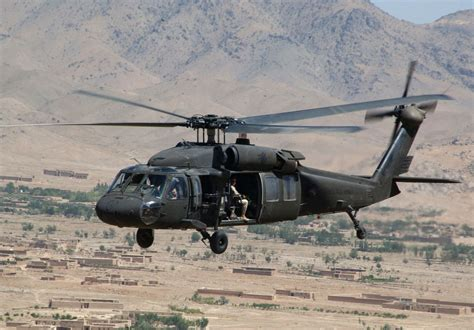 Is Uh by Uh 60 Black Hawk