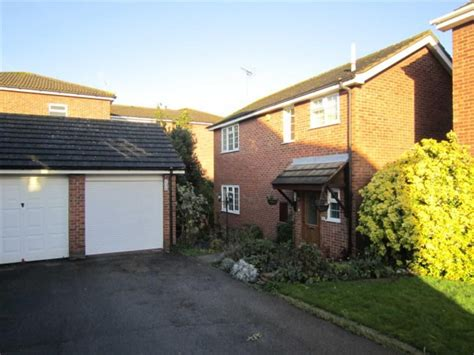 3 bedroom house for sale in basildon essex 3 bedroom detached house for sale in kingsdown close