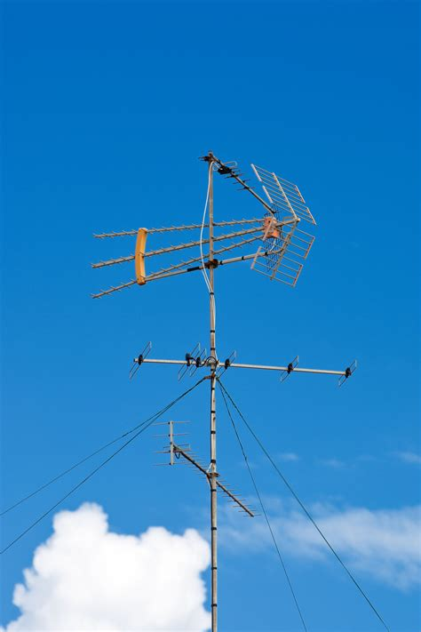 homemade tv antenna explained  pictures