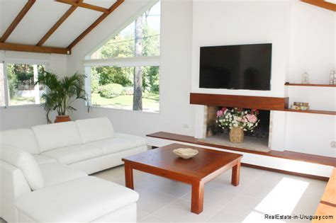 livingroom realty 5796 remodeled home mansa beach living room real estate