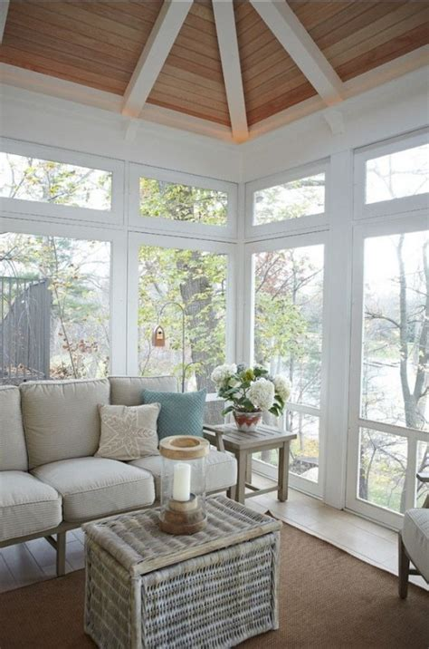 Sun Porch Windows Designs 25 Coastal And Inspired Sunroom Design Ideas Digsdigs