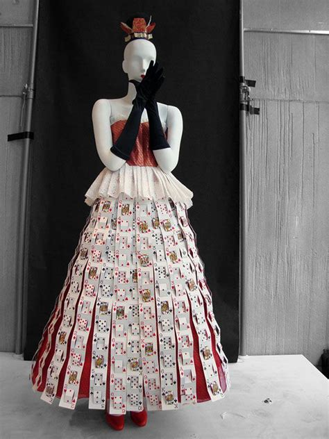paper dress  inspired   tim burton film alice