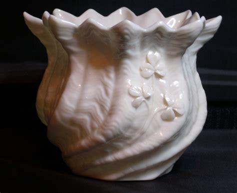 vintage belleek 5th porcelain shamrock vase for