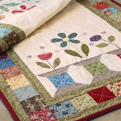 pattern quilted table runner 50 best table runners and other table quilt patterns