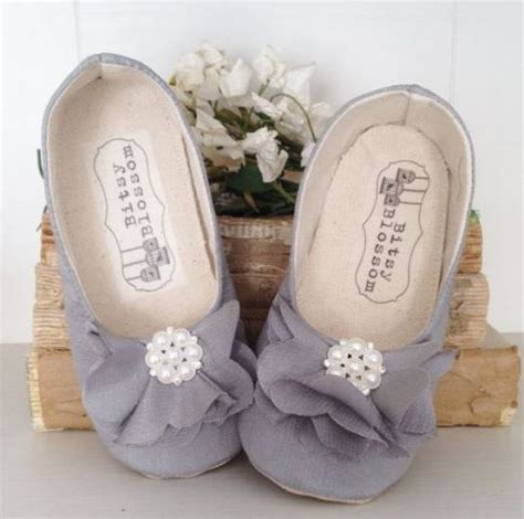 cute  sweet shoes ideas  flower girls weddingomania