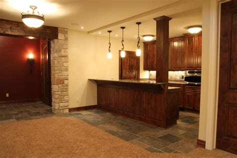 Lower Level Wet Bar   Traditional   Basement   Milwaukee