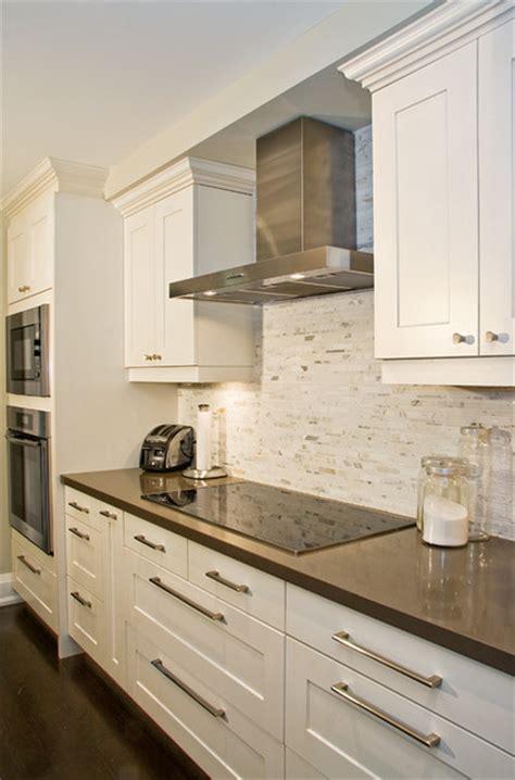 Newport Kitchen Cabinets by Newport Glazed Latte And Napa Clove Maple Contemporary