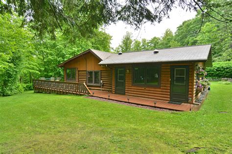 Cabins In Northern Wisconsin by Wisconsin Vacation Lodging Northern Wisconsin Vacation