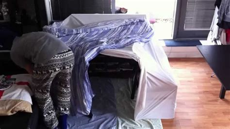 How To Build A Den In Your Bedroom by How To Build A Simple Blanket Fort