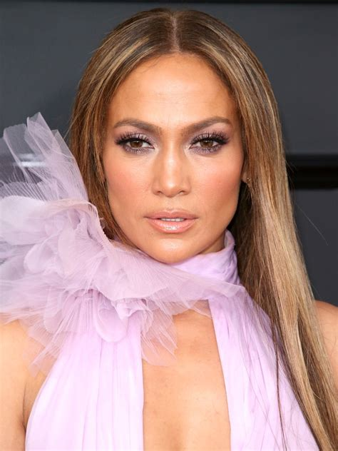 what lipstick and gloss does jennifer lopez wear the 5 best bronzers to get glowing skin according to