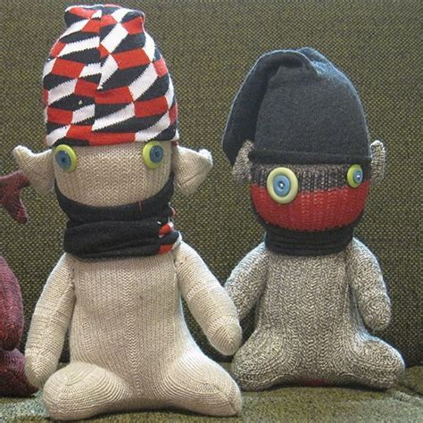 easy sock puppets simple sock puppets plugs the o jays and sock puppets