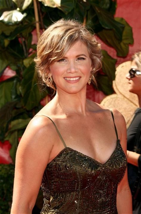 tracy gold tracey gold photos photos 58th annual primetime emmy