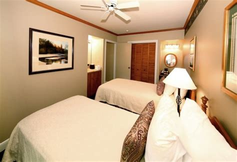 2 bedroom suites in ta spacious family hotel suites mission point resort in