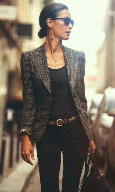 stixx in the city 10 ways to look expensive when you re flat books best 25 professional fashion ideas on