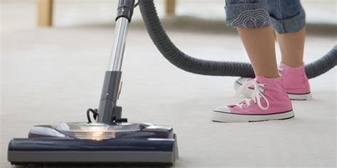 how to vacuum carpet vacuuming mistakes cleaning tips