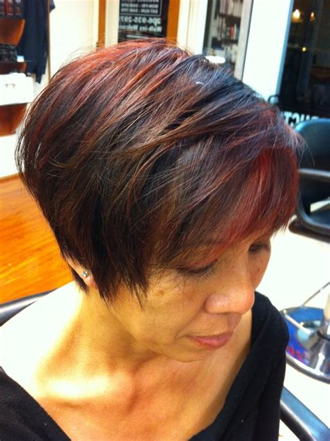 pixie cuts for mousy browns with highlights texturized pixie cut with red highlights yelp