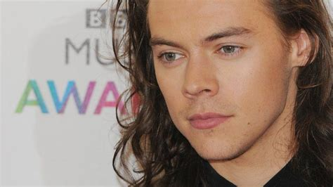 harry styles fan harry styles fan accused of hacking singer s s icloud