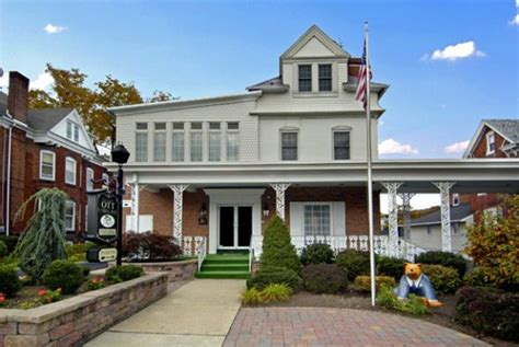 Otts Funeral Home by Linwood W Ott Funeral Home Inc Boyertown Pa Funeral