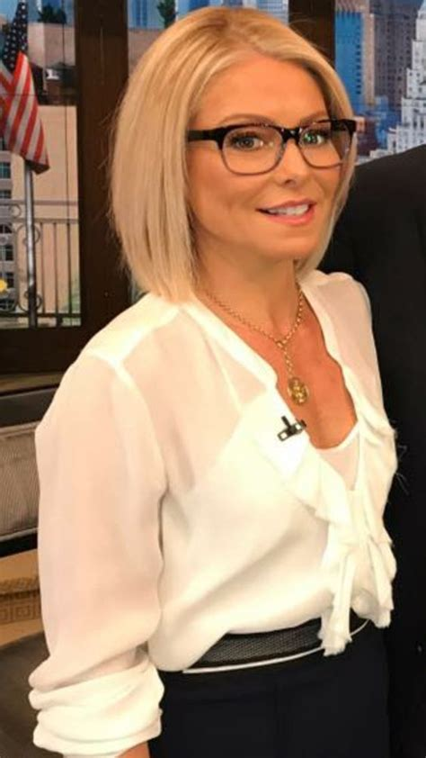 how does kelly ripa get the bends in her hair 1101 best kelly ripa images on pinterest hairstyles