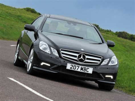 mercedes e500 coupe mercedes e klasse e500 coupe amg sports package uk 2009