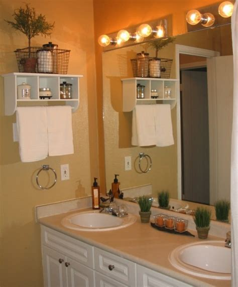 Ideas For Decorating Small Bathrooms by Unique Ways Of Decorating The Small Bathroom