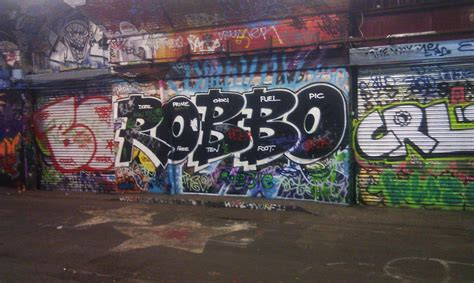 london graffiti and street world graffiti com returns sort of leake street graff