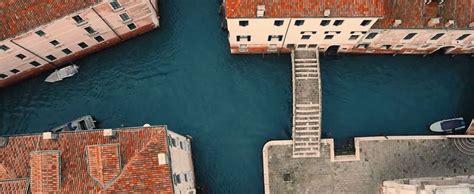 tasse di soggiorno troppi turisti troppi rifiuti venezia pensa a nuove