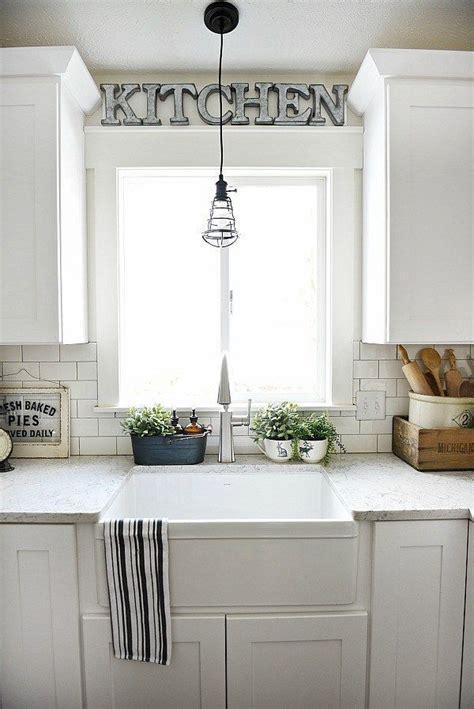 window kitchen sink ideas 25 best ideas about kitchen sink window on