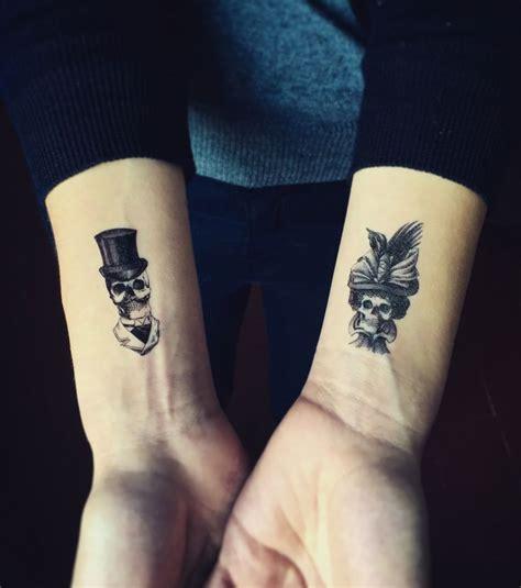 tattoo pour un couple les 25 meilleurs id 233 es de tatouages de couple sur