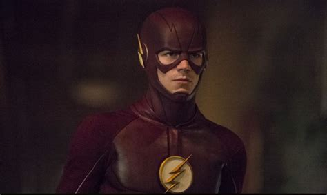 the flash season 2 grant gustin hints at barry teaming up with flash to defeat zoom