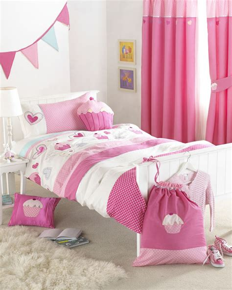 cupcake bedroom decor fool your senses and rest your mind with colorful cupcakes