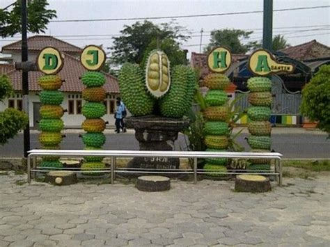 restoran legendaris durian jatohan haji arif liburan